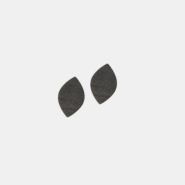 LAAV Mussukka tappikorvakorut musta